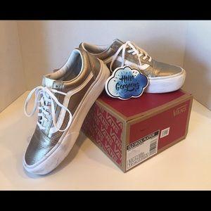 8bd0f30ab1 Vans platform sneaker size 7